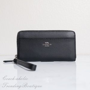 NWT Coach Leather Accordion Zip Wallet/Wristlet